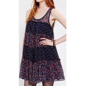 Kimichi Blue Floral Tiered Blue Sleeveless Dress